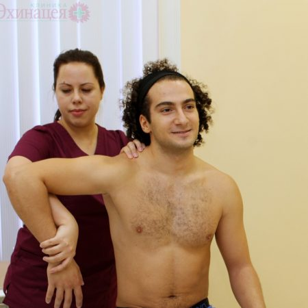 Плечелопаточный периартрит, плечелопаточный периартроз, синдром замороженного плеча, адгезивный капсулит плеча. Лечение в клинике «Эхинацея»